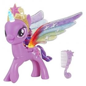 Hasbro My Little Pony Искорка с радужными крыльями E2928