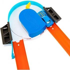 Хот Вилс Конструктор трасс:Базовый набор с машинкой .